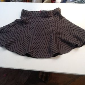 CANDIES WITH TAGS XS GREY AND BLACK SKIRT